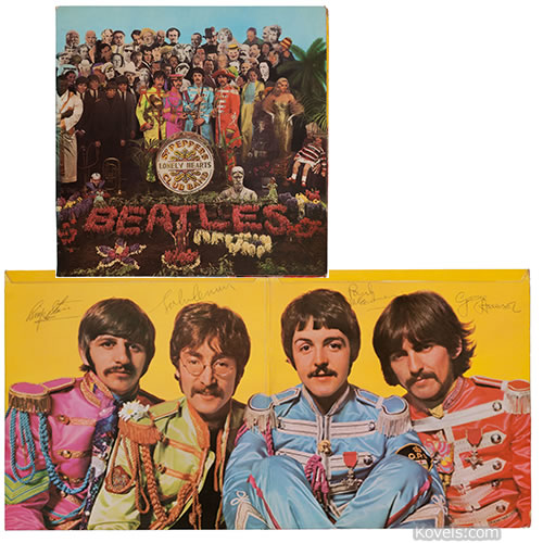 signed beatles album sgt peppers