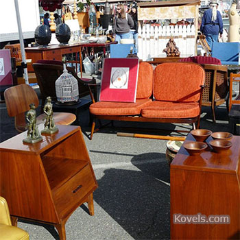 Collectors in the Western U.S. Love Spring Flea Markets, Too!