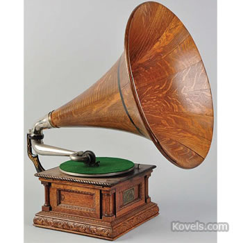"Victor ""Monarch Special"" phonograph with horn"
