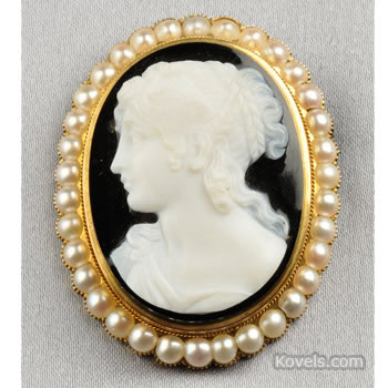 Antique hardstone cameo pendant or brooch