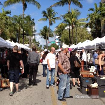 Lincoln Road market scene