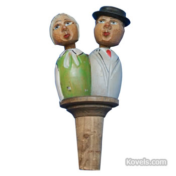 Anri Kissing Couple bottle stopper