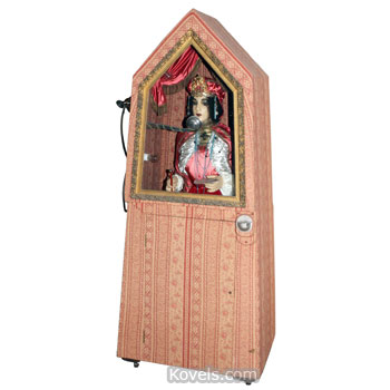 Coin-operated fortune teller machine