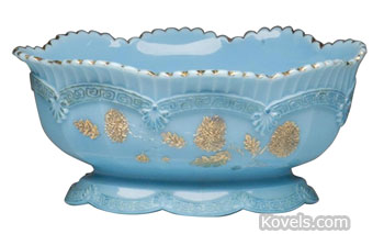 """This Chrysanthemum Sprig master berry bowl, 5 by 8 by 10 inches, is referred to as """"blue custard."""" It sold at a Jeffrey S. Evans auction in Mt. Crawford, Va., for $127."""