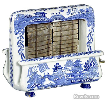 The Blue Willow Toastrite toaster is a crossover favorite, wanted by both Blue Willow and toaster collectors. That is part of the reason it sold for $550 a few months ago at an Auction Team Koln auction in Cologne, Germany.