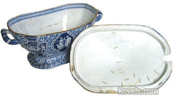 This 13-inch-long 1795 Spode tureen is too useful to throw away, so it was repaired with 23 staples in the lid and 33 staples in the bowl. The repair must have been expensive, but a tureen that matched a dinner set was saved. The tureen was offered for sale at The Ames Gallery of Berkeley, Calif.