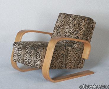 "Alvar Aalto ""Tank"" chair"