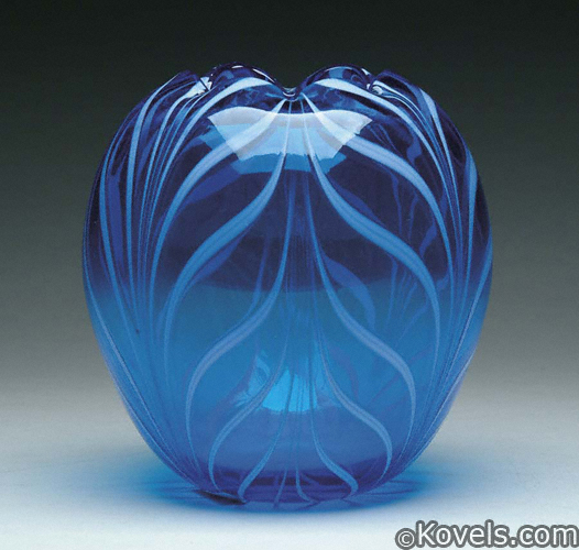 Large Fenton, blue with white pulled feather decoration