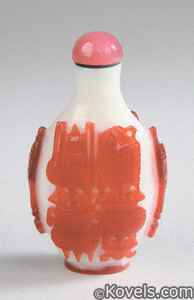 Snuff bottle, Peking glass, red overlay