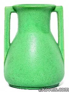 Vase, Teco, green, William Gates