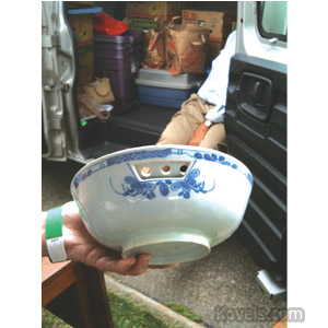 English delft berry bowl